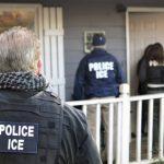 國會議員提案:ICE執法人員不得稱「警察」