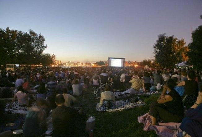 蘇格拉底雕塑公園選擇多部外語片,與民共度仲夏夜。(取自Socrates Sculpture Park官網)