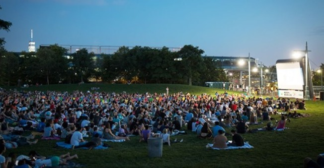 布碌崙的哈德遜河公園戶外電影節播映最受歡迎的親子電影。(取自哈德遜河公園官網)