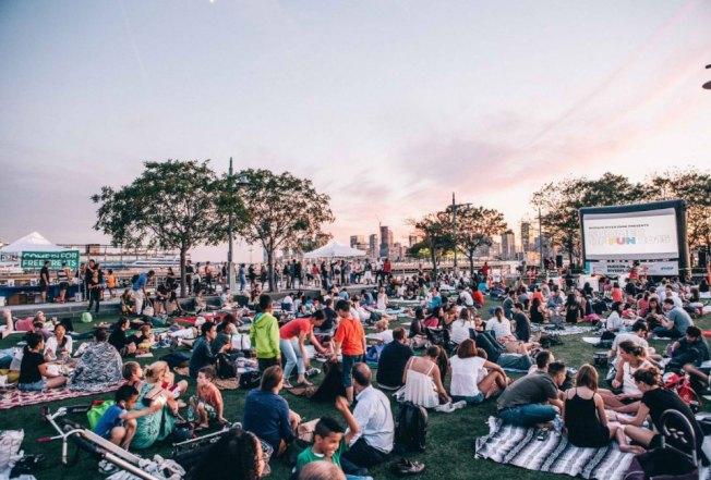 布碌崙親子電影節精選適合闔家觀看的電影,邀請民眾至戶外享受夏日時光。(取自River Flicks for Kids官網)