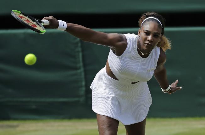 37歲的美國女將小威廉絲在四強賽只花了59分鐘就收下生涯第11張溫網決賽門票。(美聯社)