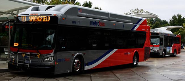 華府Metrobus公車乘客數,過去五年因交通壅堵減少12%。(華府交通管理局提供)