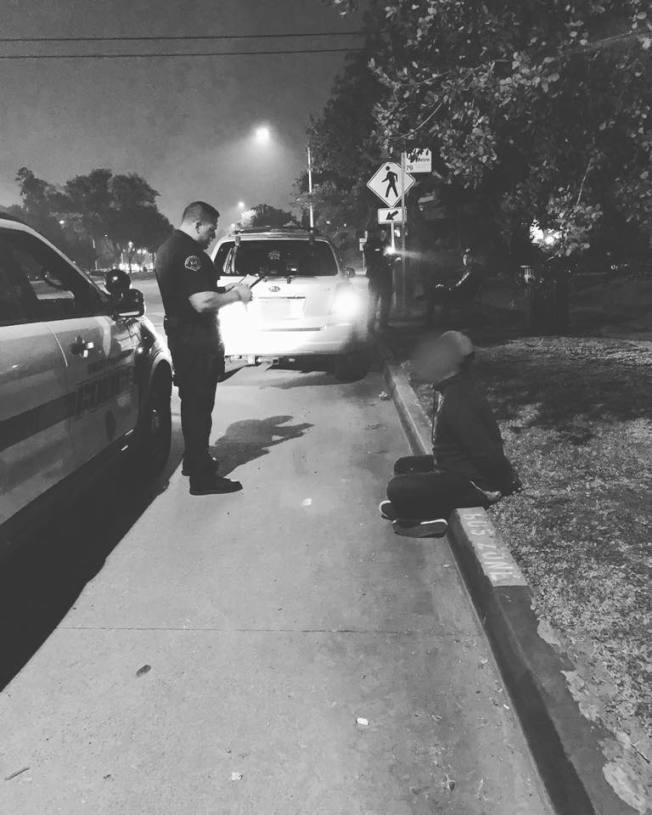 南巴沙迪那市警方近日例行攔檢,查獲一名30歲男子攜帶三磅大麻及大量現鈔。(南巴沙迪那市警局)