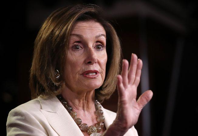 眾院議長波洛西被詢及欺壓新科女議員時,拒絕回應。(Getty Images)