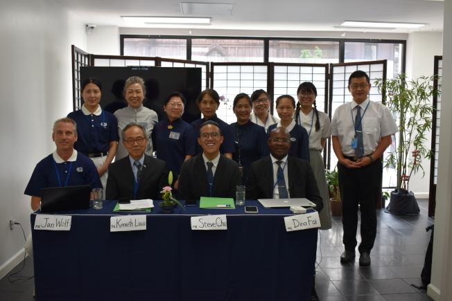 佛教慈濟基金會紐約分會9日召開記者會,分享該基金會如何在各方面達成聯合國的永續發展的目標。前排由左至右為Jan Wolf、廖敬興、裘曜陽和Dino Foi。(記者顏嘉瑩/攝影)