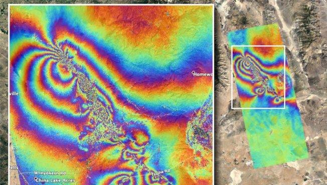 看來像「萬花筒」的人造衛星地圖,顯示南加州上周兩次強烈地震造成震央區地殼破裂與移位。(太空總署提供)