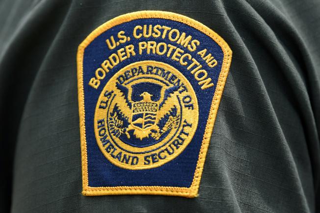 ICE預告,將於14日在美國十個城市驅趕已有遣返令的無證移民。(路透)