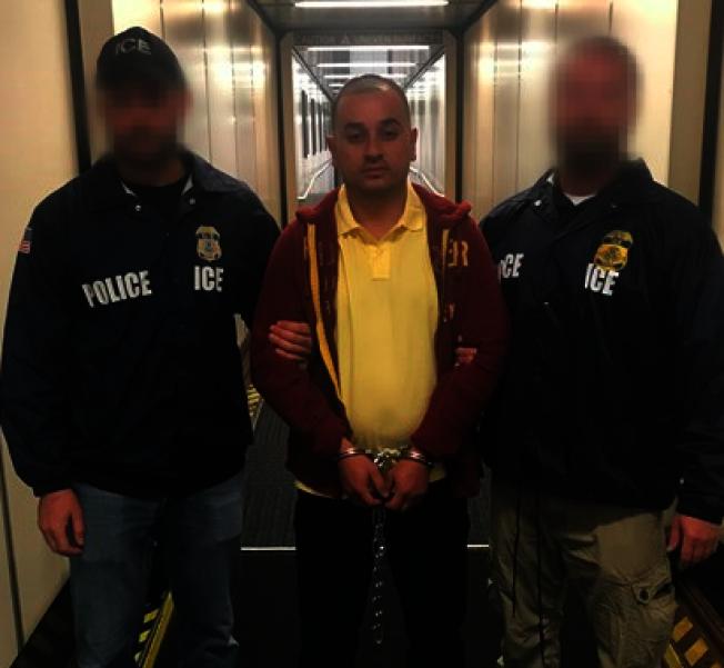 ICE遣返哥斯大黎加籍性侵罪犯。(ICE提供)