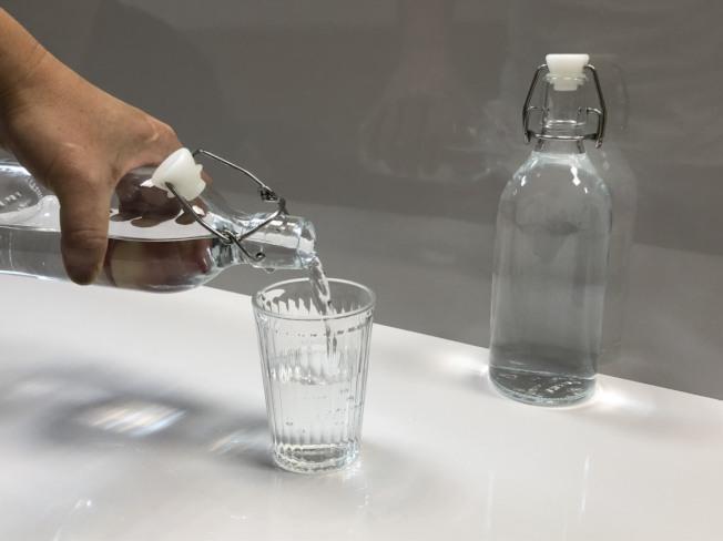 預防結石,應多喝水並飲食均衡。(本報資料照片)