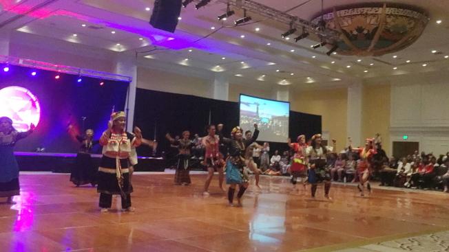 2019 Unity年會的文化展演中,LUMA台灣原住民海外遊學團以七族同步歌舞開場。(記者陳文迪/攝影)