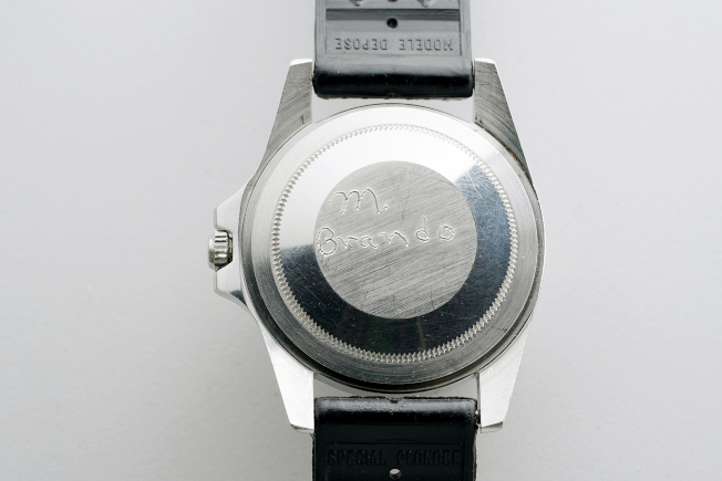 马龙白兰度的无表圈劳力士GMT-Master 型号1675腕表表备有他亲手签名。图/富艺斯提供