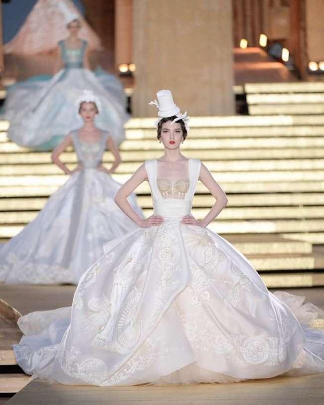 聖安東尼奧少女瑪雅亨利首度在巴黎高級時裝周上走伸展台。(Mysanantonio新聞台)