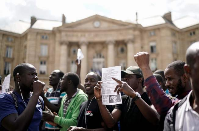 難民要求獲得永久合法身分 。(Getty Images)