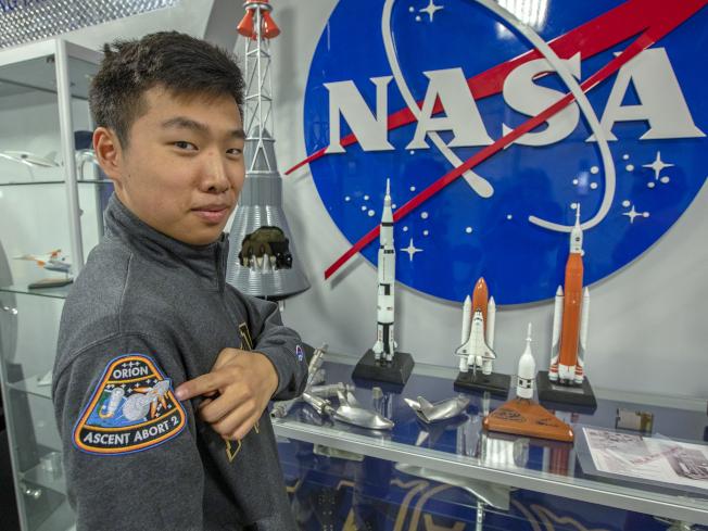 安德魯‧陳高中畢業就到NASA實習。(取材自NASA官網)