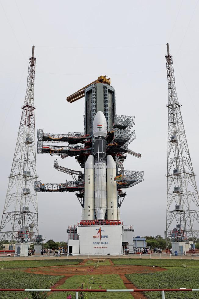 印度「月球飛船二號」原預計15日發射,但卻因技術性問題臨時喊卡。(美聯社)