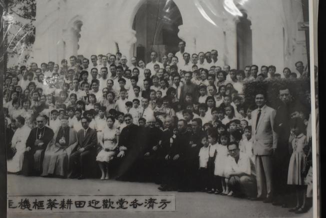 施華忠在40多歲成為神父,派駐聖博德天主堂。(記者顏嘉瑩╱翻攝)
