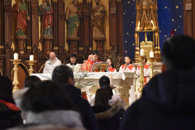 施華忠在40多歲成為神父,派駐聖博德天主堂。(記者顏嘉瑩╱攝影)