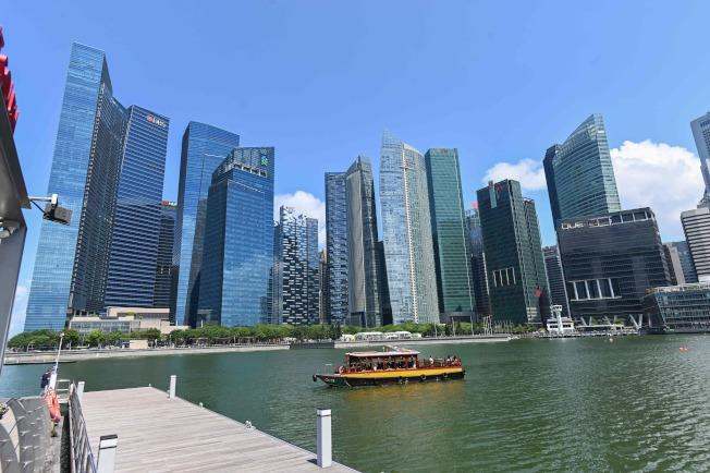 香港富豪憂心政治局勢,資金出走新加坡。圖為新加坡金融中心。(Getty Images)