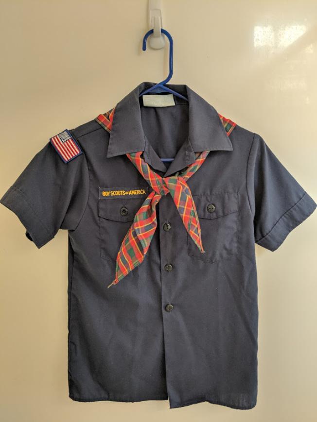 作者兒子的童子軍制服。