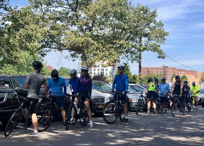 很多華裔單車騎士參加本次活動。(記者朱蕾/攝影)