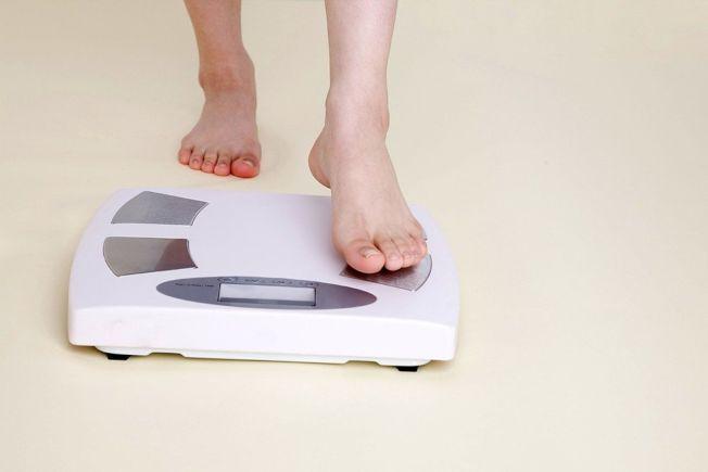 每天早上起床先量體重,是減重最重要的一件事。(取材自ingimage)