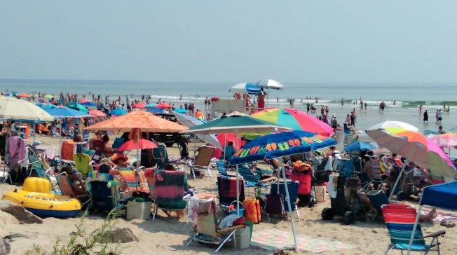 氣象人員預測本周熱浪來襲,是海濱戲水的好天氣。(記者唐嘉麗/攝影)