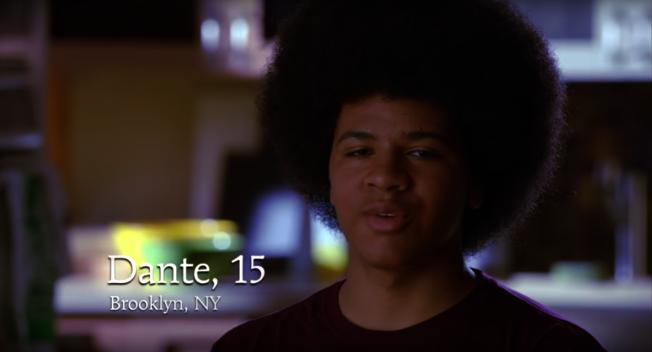 丹特15歲那年替老爸白思豪拍競選短片。截自YouTube