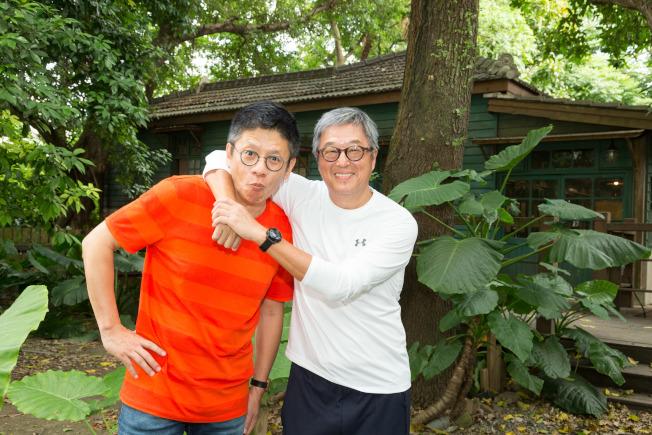 王偉忠(右)和謝念祖合作完成《往事只能回味》。(陳立凱/攝影)