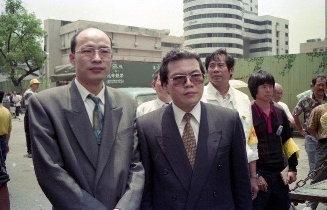 1993年,時任立委的韓國瑜(左)在立院打了陳水扁引發爭議。 圖/聯合報系資料照片