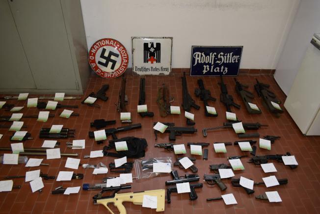 義大利警方破獲大量武器。(路透)
