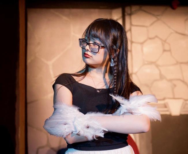 麻省理工校園鼓勵學生發展興趣,李妍排練舞台劇。(李妍提供)