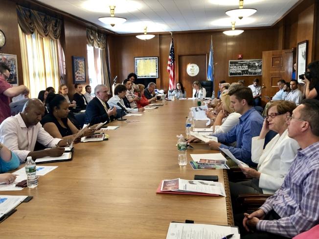 人口普查局紐約地區辦公室在皇后區公所介紹2020年人口普查的計畫。(記者朱蕾/攝影)