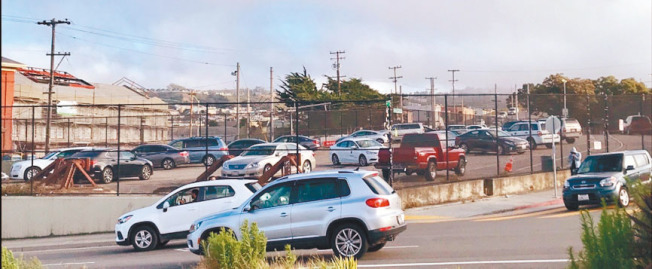Balboa Upper Yards停車場建起全市首個「車輛分流中心」後,將向住車上的遊民提供33個停車位。(記者黃少華╱攝影)