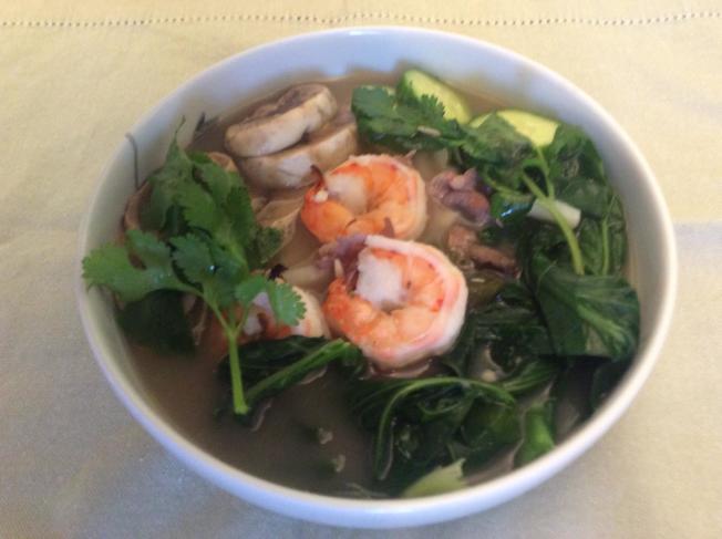 唐芥蘭蘑菇蝦雞湯拉麵