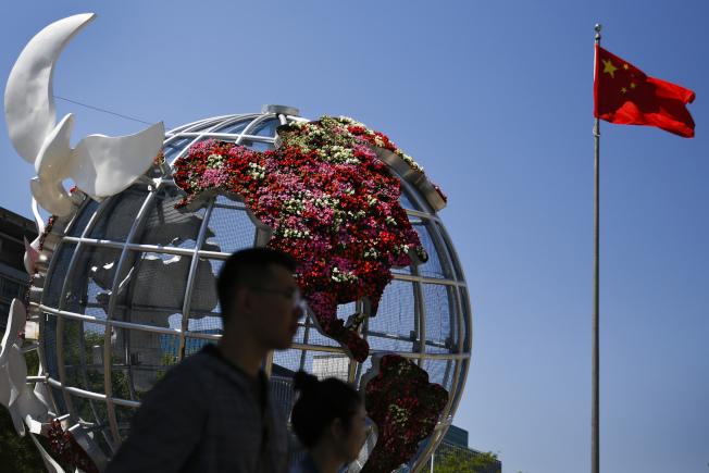 中國今年第2季GDP僅成長6.2%,創27年來最差季度表現。美聯社