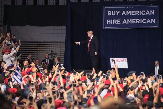 川普的死忠支持者力挺他的美國至上言論。(Getty Images)