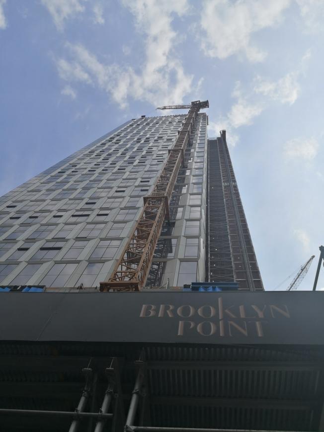 布碌崙點即將完工,成為布碌崙第一高樓。(記者黃伊奕/攝影)