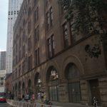 建商爭搶第一高樓 居民抗議破壞歷史遮住陽光