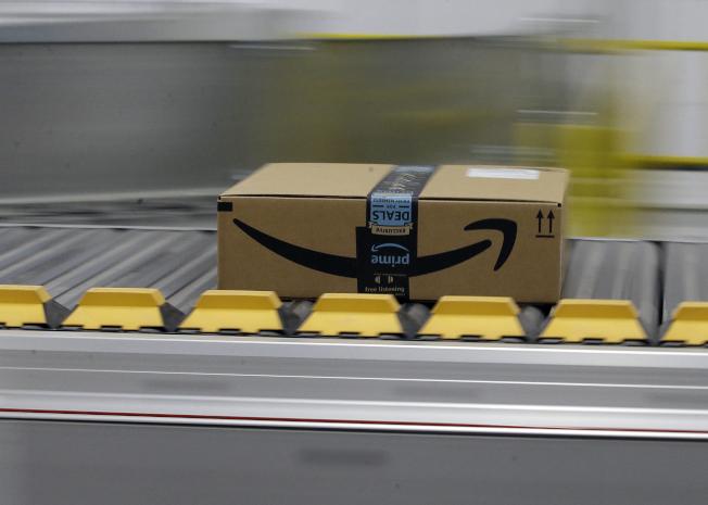 亞馬遜在會員日銷售超過1.75億件商品,超過去年黑色星期五和網購星期一的銷售總和。(美聯社)