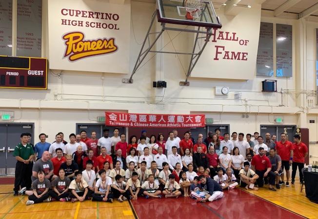 參加第35屆金山灣區華人運動大會摔角比賽的選手來自全美各地。(南海岸中華文化中心提供)