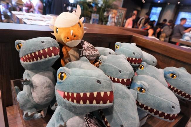 更多可愛的恐龍玩具也上市。(記者馬雲/攝影)