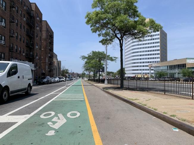 皇后大道改建工程最後階段要在森林小丘建更多單車道。(記者劉大琪/攝影)