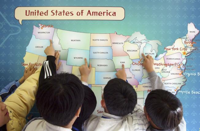 佛州將以獎金鼓勵績優教師提升整體教育水準。(Getty Images)