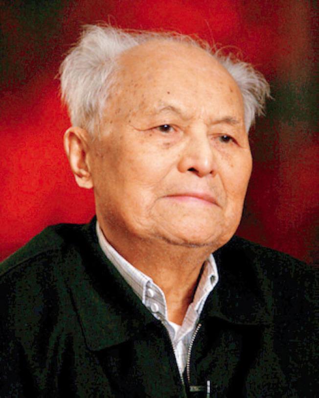 胡佛研究院圖書檔案館近日宣布,中國歷史學家、政治家李銳(圖,胡佛研究院網站圖片)的文獻資料正式開放供研究使用。這些資料包括其信件、日記、會議記錄、工作筆記、詩詞、印刷品以及照片。