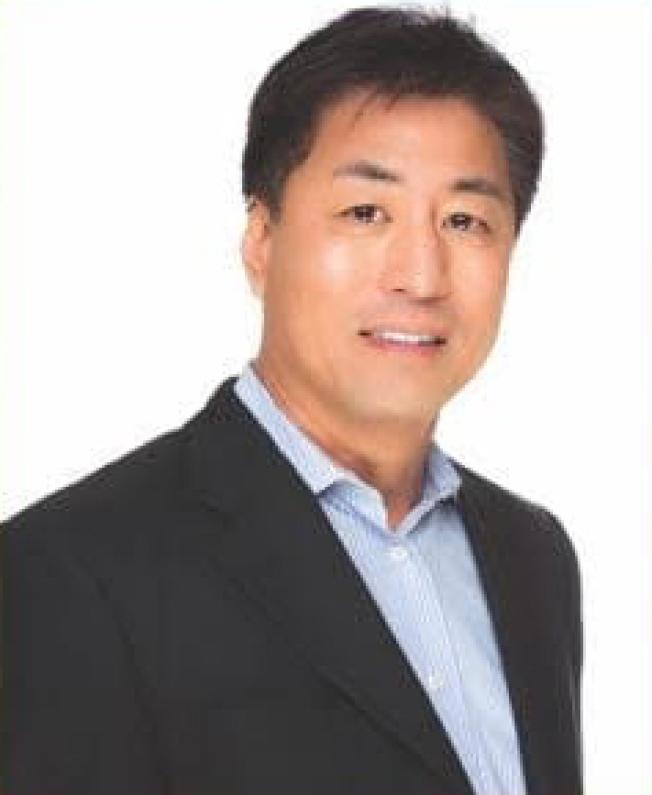 資深會計師 Michael Wu。