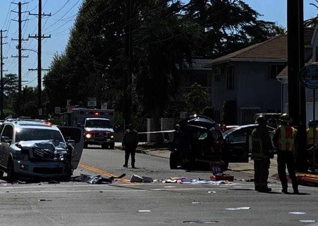 天普市18日下午3時左右發生一起嚴重車禍,三輛小客車互撞造成十人受傷。(洛縣消防局推特)