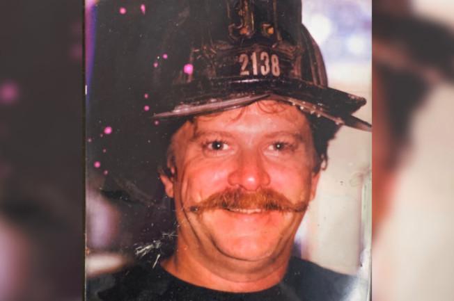 在九一一恐襲後前往世貿遺址救災的消防員德瑞斯柯日前去世,這使他成為死於與世貿毒煙有關疾病的第200名消防局成員。(取自臉書)