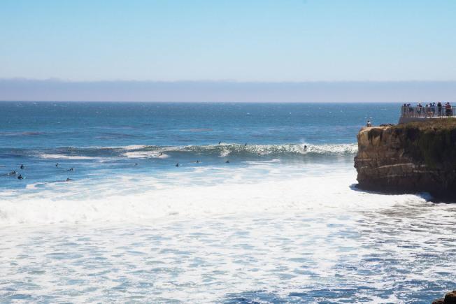 聖塔克魯茲海邊非常涼爽,是衝浪勝地。