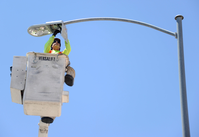 維州州府提議更新路燈。(網路圖片)