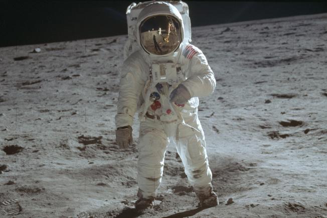 半個世紀前的今天,美國太空人阿姆斯壯與艾德林成為人類史上首批登陸月球的先驅。NASA